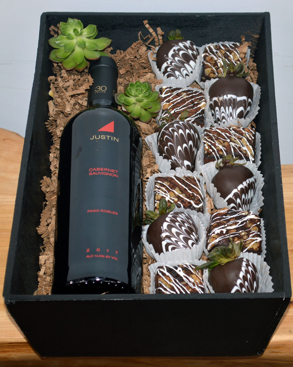 Wine Brownies Strawberries