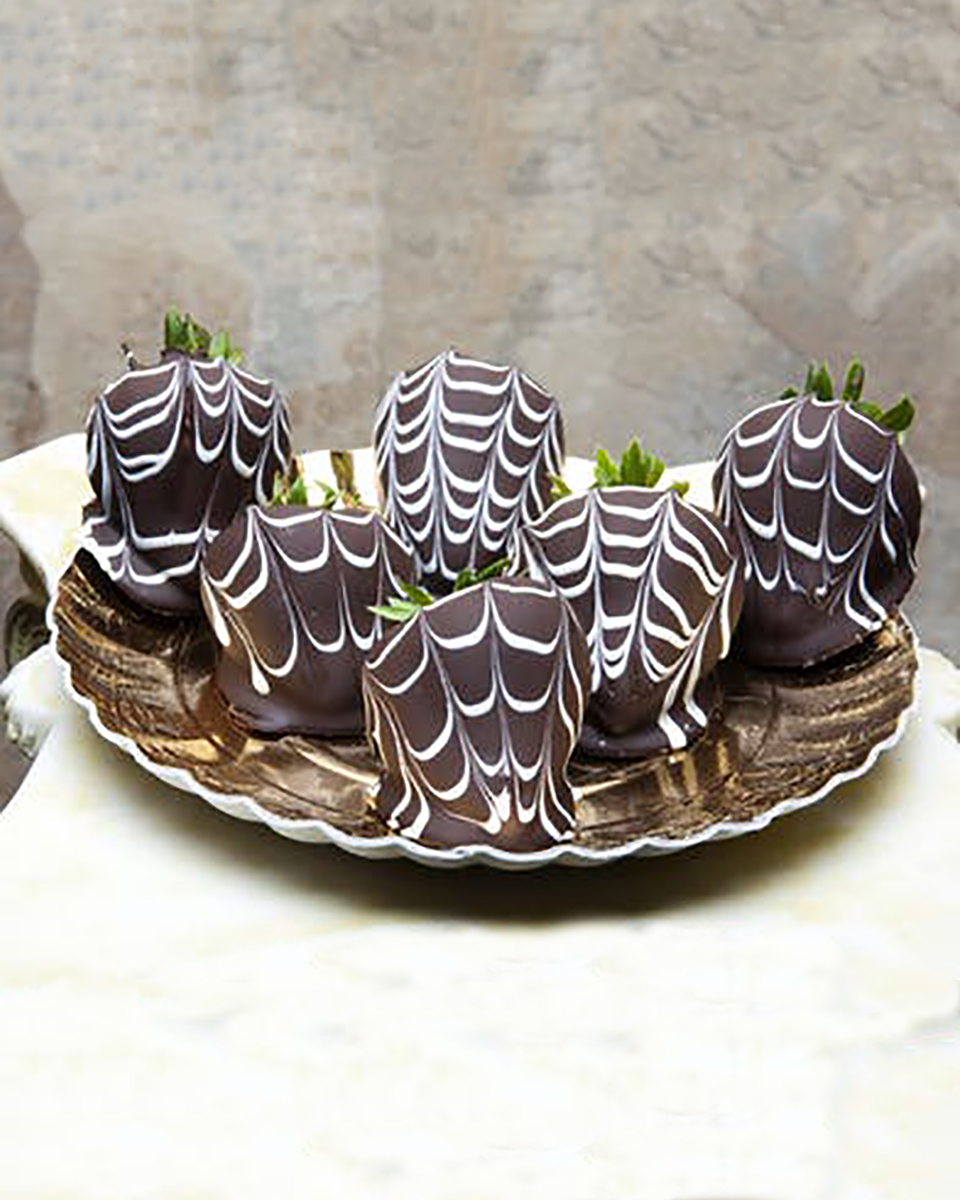 Chocolate Dipped Strawberries-8 pieces