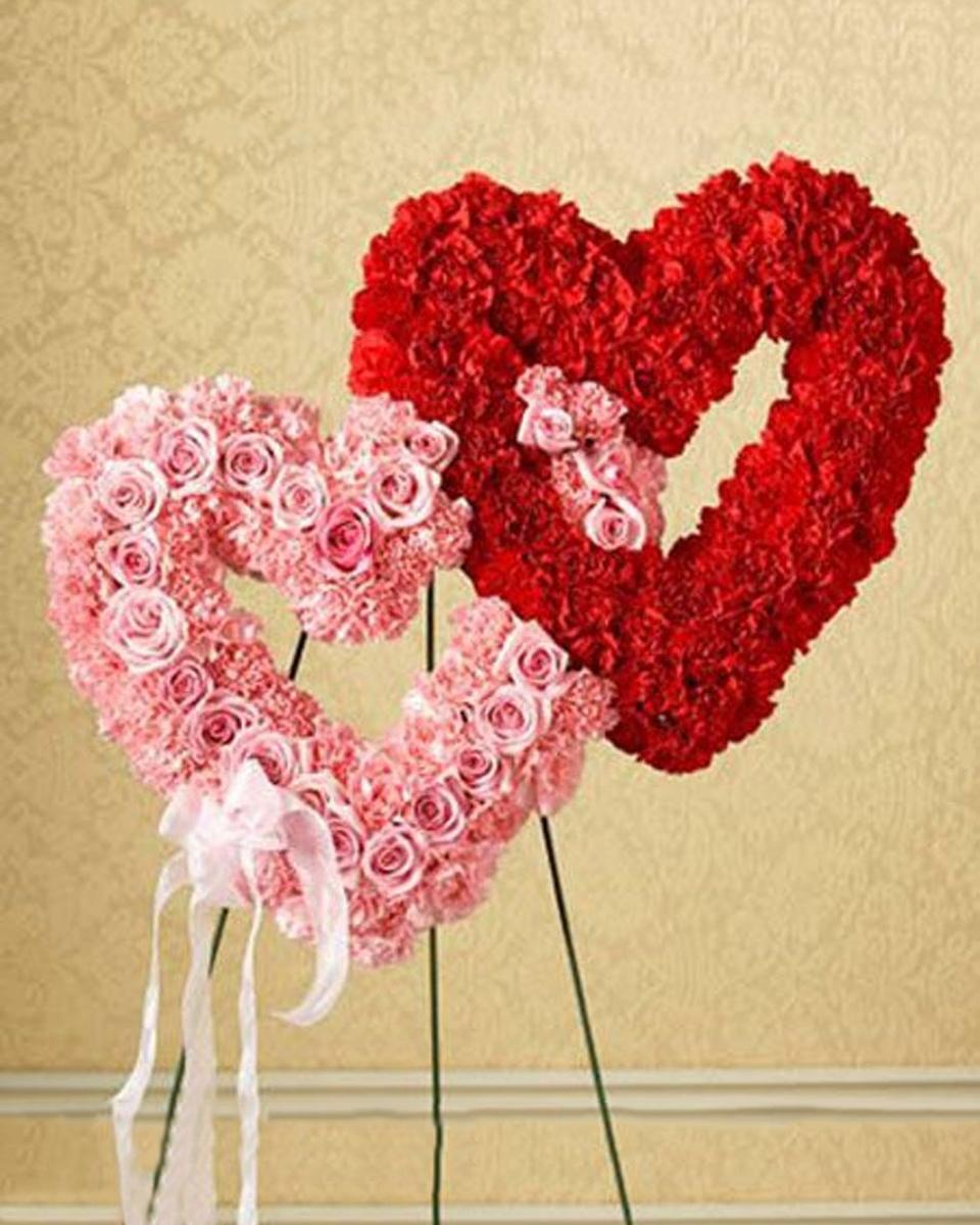 Duo Heart Standing Wreath