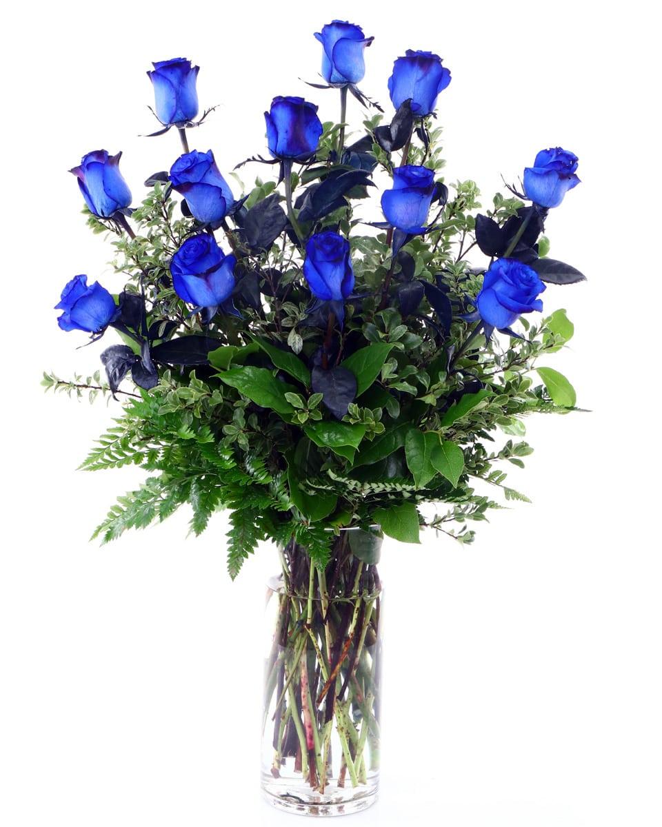 Standard-12 Blue Roses arranged in a Vase