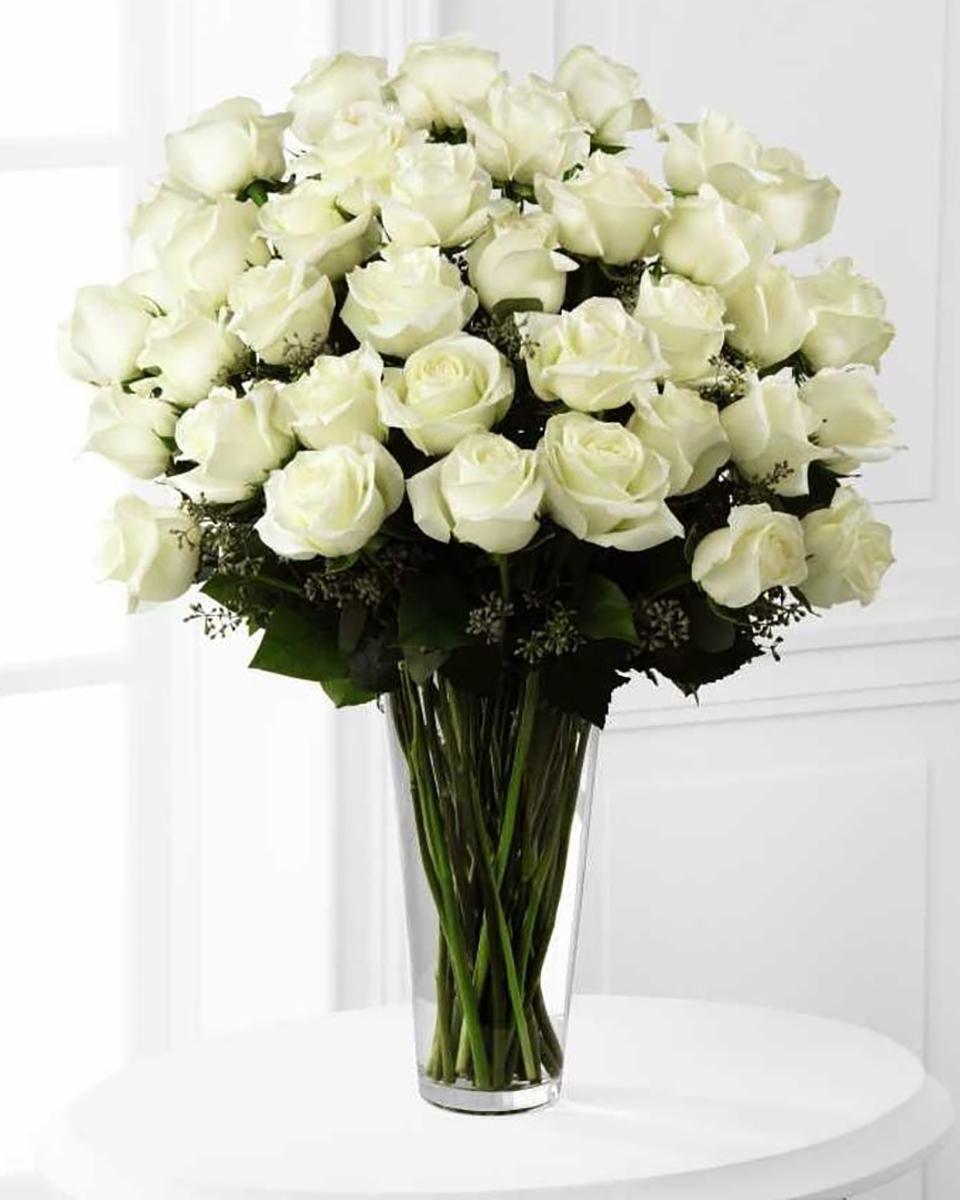 36 White Roses-Deluxe