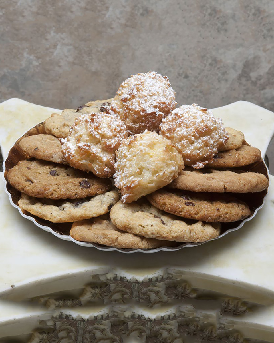 Just Like Home Cookie Assortment-Standard (16 Cookies)