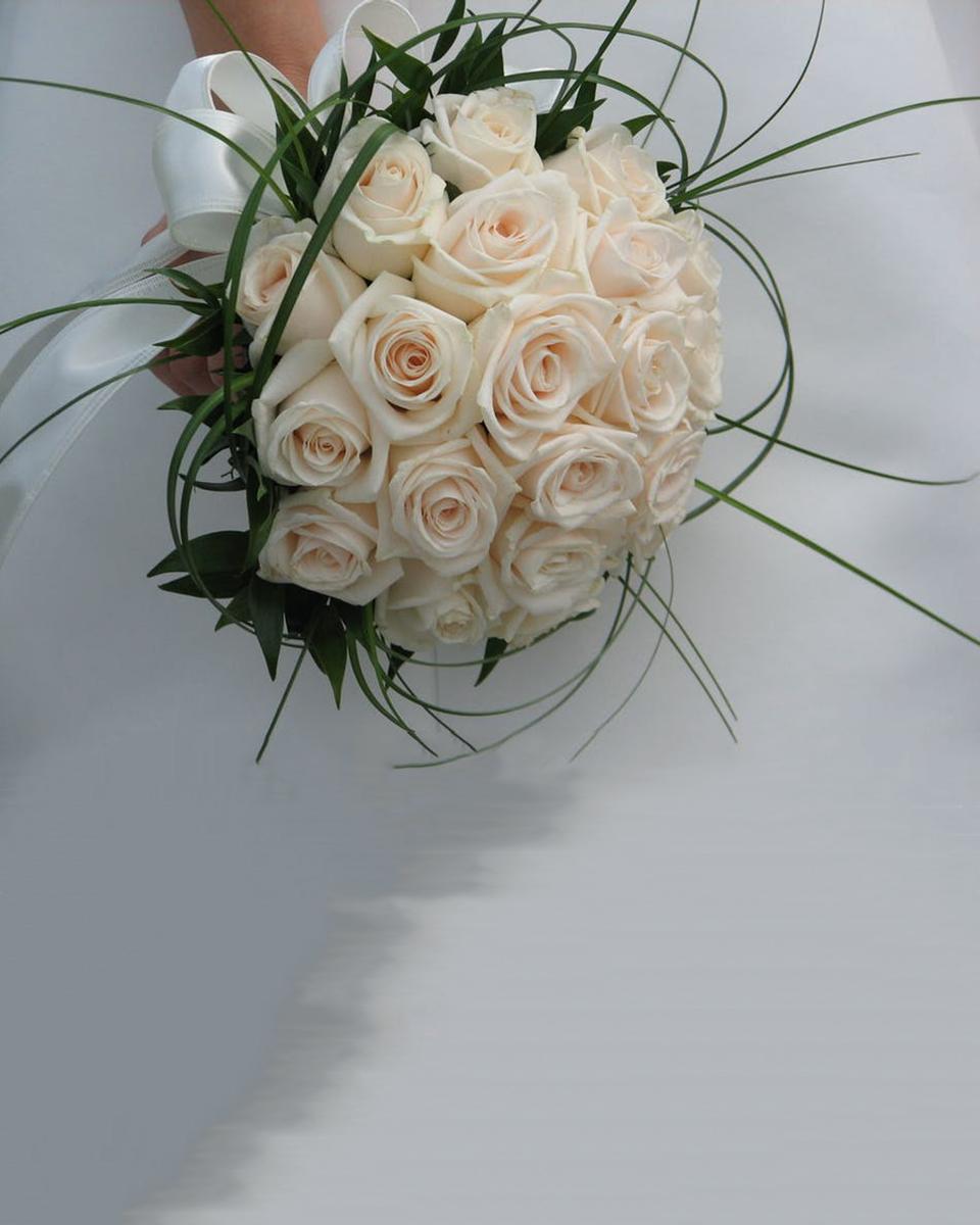 Roses & Grasses-Standard (24 Roses)