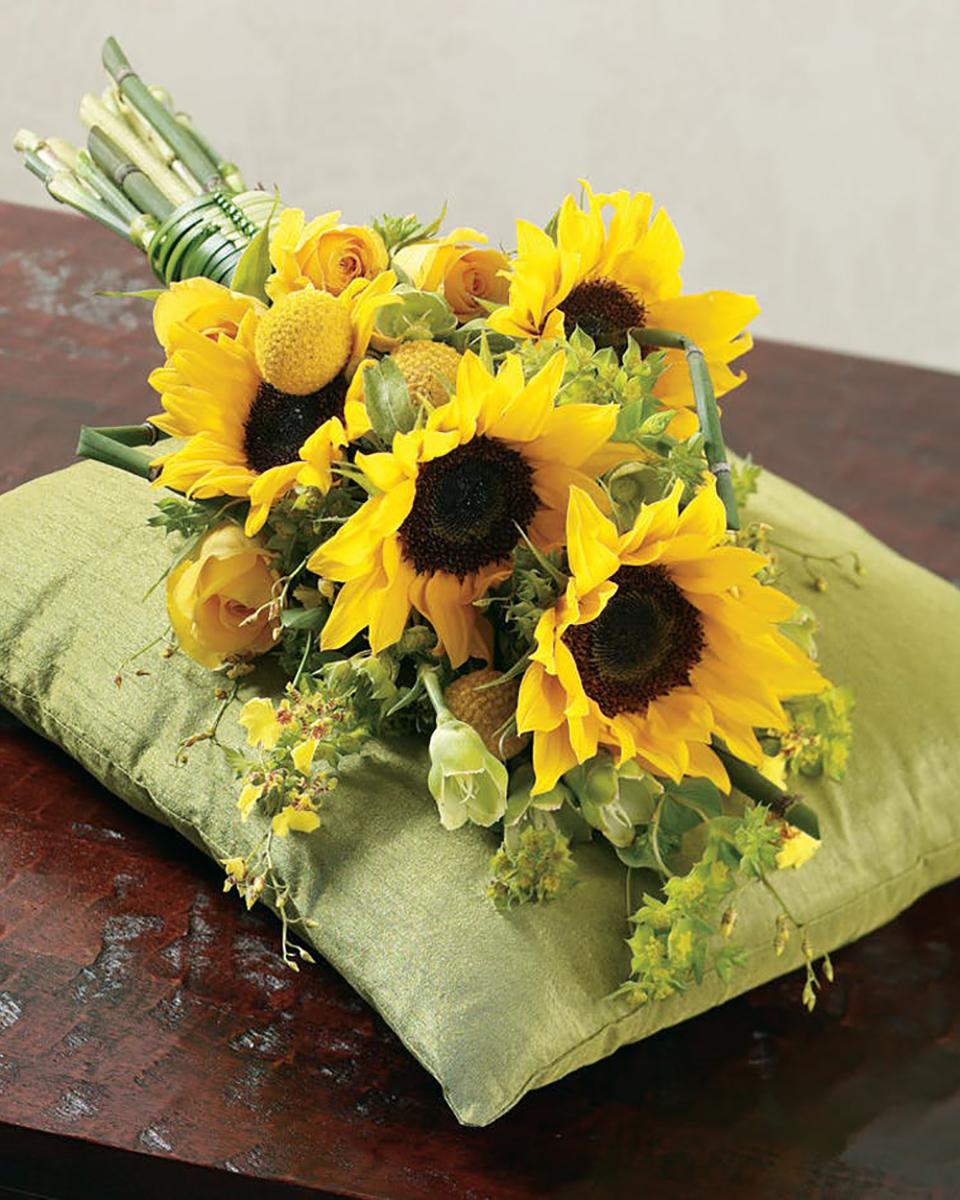 Sunshine Bridal Bouquet-Standard