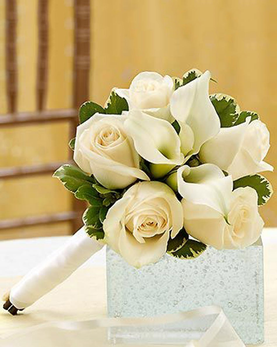 Callas and Roses Bridesmaid Bouquet-Standard