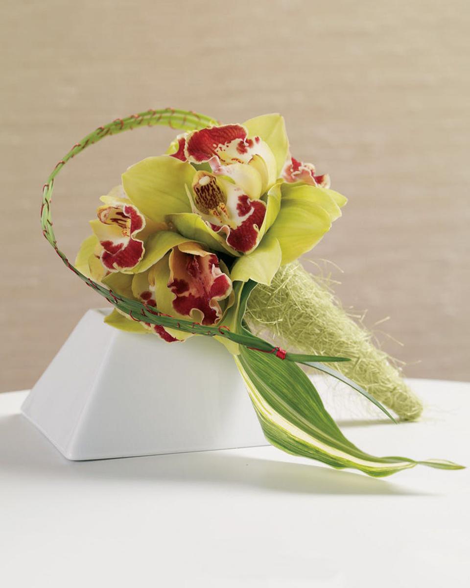 Cymbidium Calling Bridesmaid Bouquet-Standard (12 Roses)
