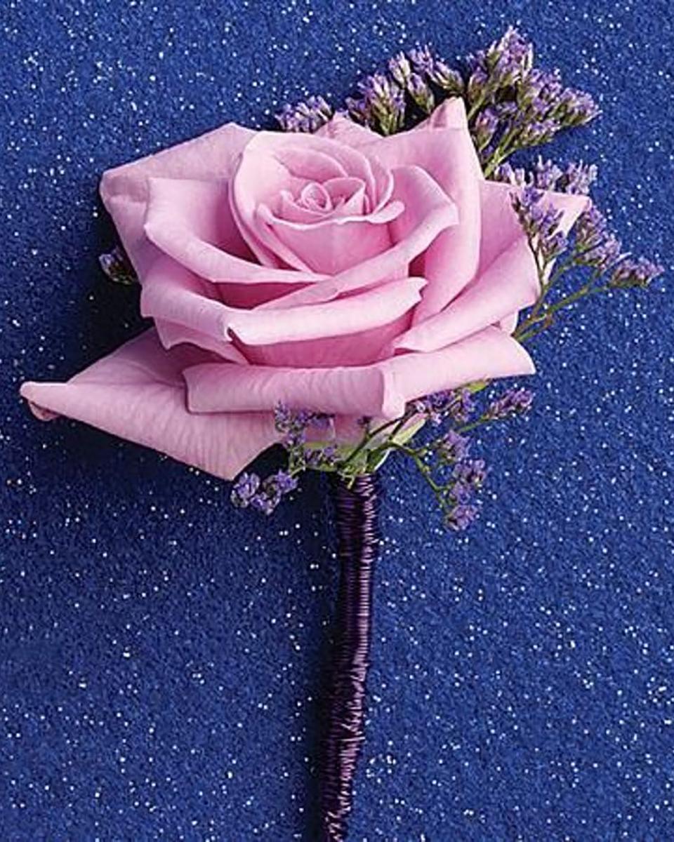 Lavender Rose Bout-Standard