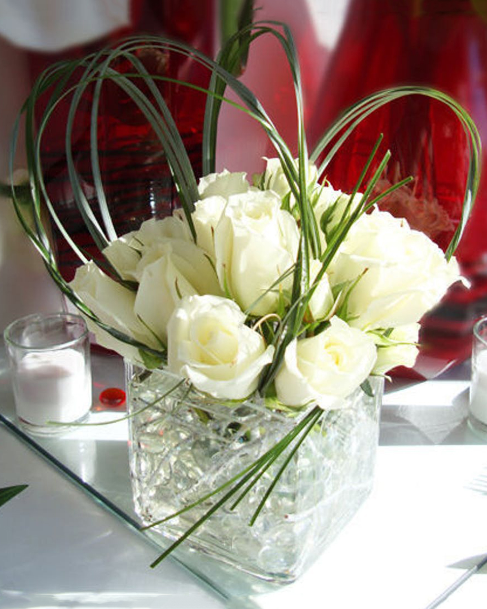 Crystal Winter-Standard (12 Roses)
