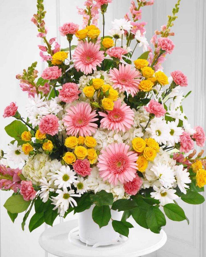 The Most Appropriate Flowers for a Funeral